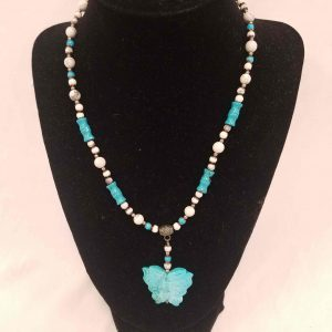 Ladie's Turquoise Necklace